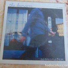 Discos de vinilo: THE HUMPERS?– SARCASMATRON - SINGLE VINILO AZUL - GARAGE PUNK. Lote 160923030