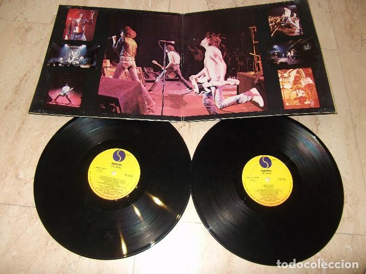 Discos de vinilo: Ramones It's Alive- DOBLE LP- ESPAÑA PRIMERA EDICION-1979- Sire – S 66.016 - Foto 3 - 161077710