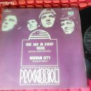 Discos de vinilo: PROCESSION ONE DAY IN EVERY WEEK SPAIN 1968 SINGLE . Lote 161137022