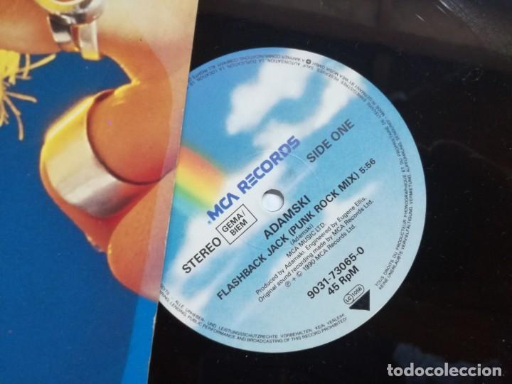 Discos de vinilo: ADAMSKI ( FLASHBACK JACK - NYCNRG ) GERMANY-1990 MAXI 45 MCA RECORDS - Foto 2 - 161202878