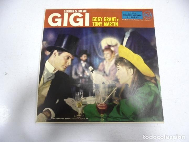 SINGLE. LERNER & LOEWE GIGI. GOGY GRANT Y TONY MARTIN. LOS PARISINOS / VALS EN MAXIM'S. 1959 (Música - Discos - Singles Vinilo - Otros estilos)
