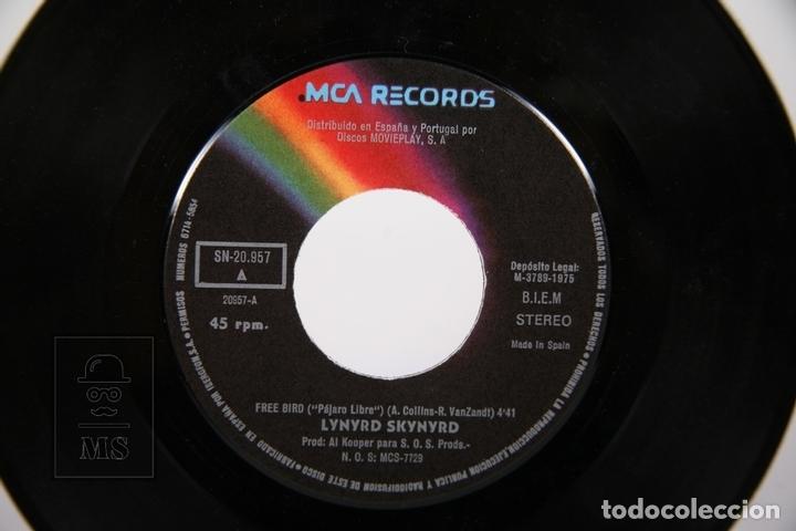 Discos de vinilo: Disco Single De Vinilo - Lynyrd Skynyrd / Free Bird - MCA - 1975 - Foto 2 - 161795722