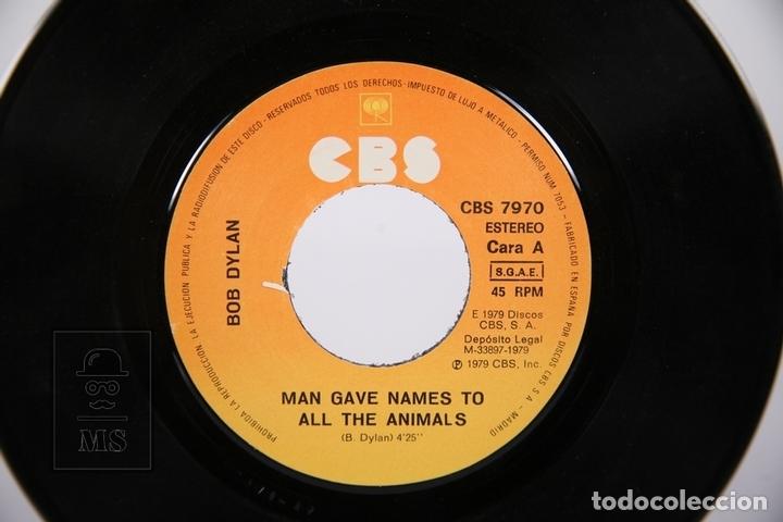 Discos de vinilo: Disco Single De Vinilo - Bob Dylan / Man Give Names To All The Animals, When He Returns - CBS, 1979 - Foto 2 - 161796413