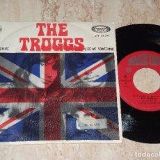 Discos de vinilo: THE TROGGS - EASY LOVING / GIVE ME SOMETHING / - ESPAÑA-1970. Lote 162134010