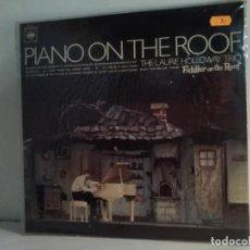 Discos de vinilo: PIANO ON THE ROOF . Lote 162823314