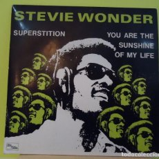 Discos de vinilo: SINGLE 7'' STEVIE WONDER – SUPERSTITION / YOU ARE THE SUNSHINE OF MY LIFE PORTUGAL. Lote 162992570