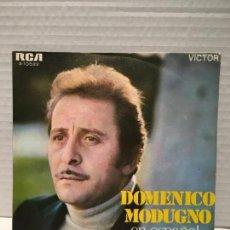 Discos de vinilo: SINGLE DE MODENICO MODUGNO EN ESPAÑOL AÑOS 60. Lote 163185870