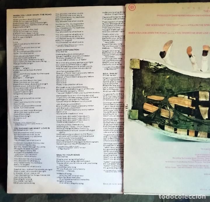 Discos de vinilo: The Hues Corporation – Love Corporation LP, Spain 1975 incl encarte - Foto 3 - 172057197