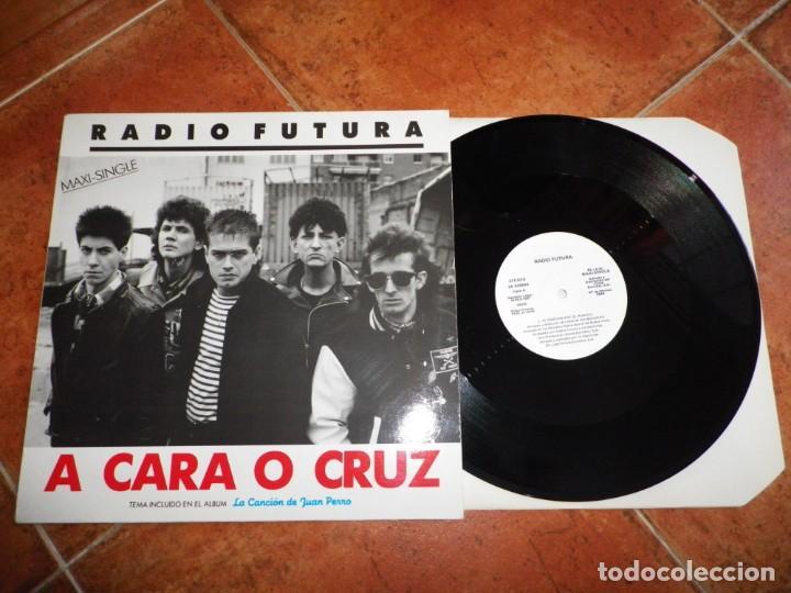 RADIO FUTURA A CARA O CRUZ / 37 GRADOS MAXI SINGLE PROMO 1987 JUAN PERRO 2 TEMAS SANTIAGO AUSERON (Música - Discos de Vinilo - Maxi Singles - Grupos Españoles de los 70 y 80)