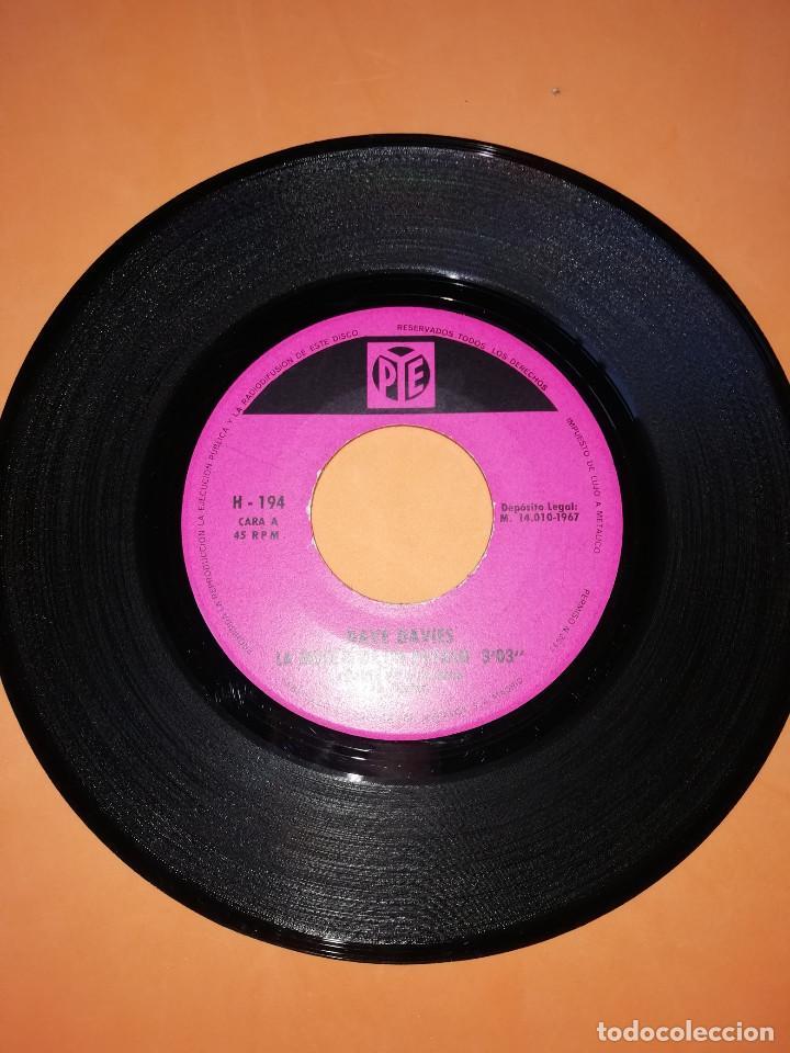 Discos de vinilo: DAVE DAVIES. LA MUERTE DE UN PAYASO. AMAME HASTA QUE BRILLE EL SOL. HISPAVOX 1967 - Foto 3 - 165216962