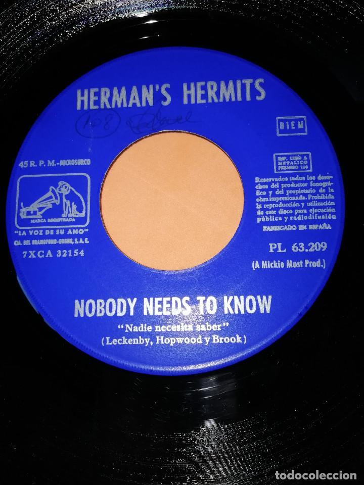 Discos de vinilo: HERMANS HERMITS . SUNSHINE GIRL + NOBODY NEEDS TO KNOW / EMI - LA VOZ DE SU AMO 1968 - Foto 5 - 165219802