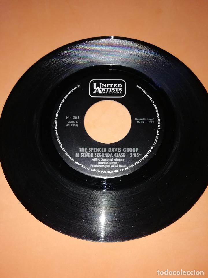 Discos de vinilo: THE SPENCER DAVIS GROUP-EL SEÑOR SEGUNDA CLASE / INSPECTOR DE SANIDAD -EDICION ESPAÑOLA - UA 1968 - Foto 3 - 165225706