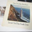 Discos de vinilo: THE DOOBIE BROTHERS - LIVIN' ON THE FAULT LINE ...LP DE 1977 EDICION ORIGINAL ESPAÑOLA. Lote 165259086