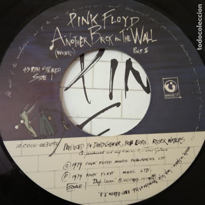 Discos de vinilo: PINK FLOYD- ANOTHER BRICK IN THE WALL PART II- SPAIN SINGLE 1979. - Foto 3 - 165435774