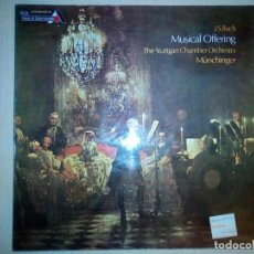 Discos de vinilo: BACH / KARL MÜNCHINGER CONDUCTING THE STUTTGART CHAMBER ORCHESTRA – A MUSICAL OFFERING. Lote 165621866