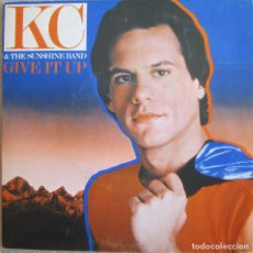Disques de vinyle: KC & THE SUNSHINE BAND: GIVE IT UP / IT´S TOO HARD TO SAY GOODBYE. Lote 207597222