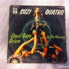Discos de vinilo: SINGLE. SUZI QUATRO. DEVIL GATE DRIVE. IN THE MORNING. 1974. Lote 165734282
