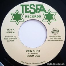 Discos de vinilo: BOOM BOX - GUN SHOT - 7'' [TOP RANKING SOUND, 2017]. Lote 165761070