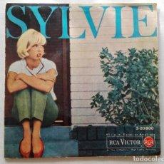 Discos de vinilo: DISCO DE SYLVIE VARTAN.LA MÁS BELLA DEL BAILE-UN AIRE DE FIESTA-DUM DI LA-NO LA LIMITES.. Lote 165892950