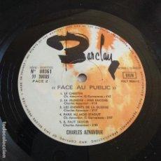 Discos de vinilo: CHARLES AZNAVOUR - FACE AU PUBLIC. Lote 165967662