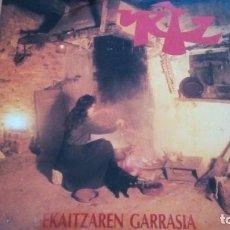 Discos de vinilo: URTZ EKAITZAREN GARRASIA LP 1992 CON LETRAS Y HOJA PROMOCIONAL. Lote 166038390