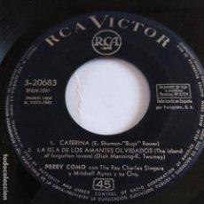 Discos de vinilo: EP PERRY COMO CON THE RAY CHARLES SINGERS - CATERINA. Lote 166391874
