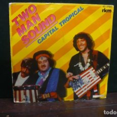 Discos de vinilo: TWO MAN SOUND - CAPITAL TROPICAL / MR. ROBERTS, HISPAVOX 1981.. Lote 166745818