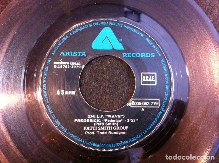 SINGLE. PATTI SMITH GROUP. FREDERICK - FIRE OF UNKNOWN ORIGIN. 1979 (SIN CARPETA) (Música - Discos - Singles Vinilo - Otros estilos)