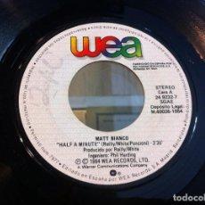Discos de vinilo: SINGLE. MATT BIANCO. HALF A MINUTE - MATT'S MOOD II. 1984 (SIN CARPETA). Lote 166925772