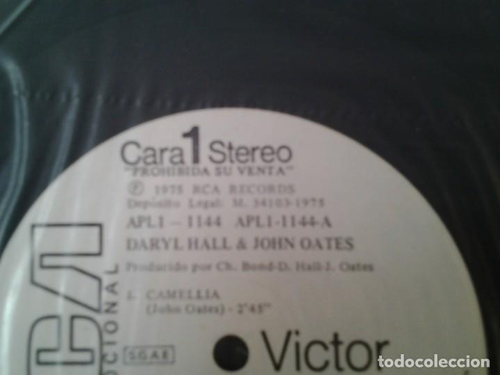 Discos de vinilo: DARYL HALL & JOHN OATES - HALL &OATES - LP DISCO PROMOCIONAL 1975 ED. ESPAÑOLA APL1-1144 PERFECTAS C - Foto 5 - 167525632