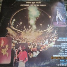 Discos de vinilo: THREE DOG NIGHT - CAPTURED LIVE AT THE FORUM LP - ORIGINAL U.S.A. - DUNHILL 1969 - GATEFOLD COVER -. Lote 167722868