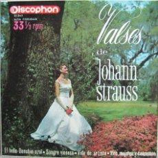 Discos de vinilo: VALSES DE JOHANN STRAUSS (DALIBOR BRAZDA ORCHESTRA): EL BELLO DANUBIO AZUL / SANGRE VIENESA + 2. Lote 168207496