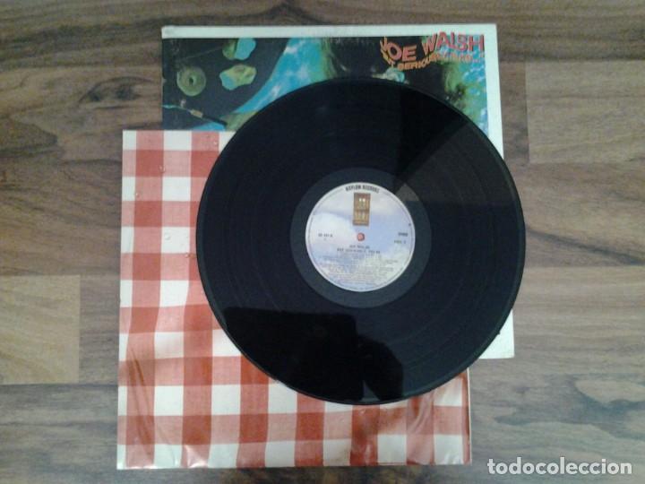Discos de vinilo: JOE WALSH - BUT SERIOUSLY, FOLKS - LP ASYLUM RECORDS GATEFOLD SLEEVE ED. ORIGINAL CANADA 6E -141B - Foto 3 - 168209464