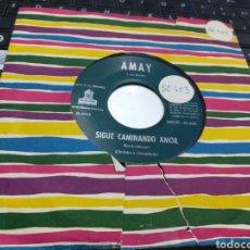 Discos de vinilo: AMAY SINGLE SIGUE CAMINANDO AMOR / TU CABEZA EN MI HOMBRO ESPAÑA 1961 RAREZA. Lote 168280960