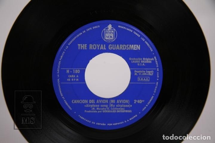 Discos de vinilo: Disco Single De Vinilo - The Royal Guardsmen / Cancion del Avión, Alley-Oop - Hispa Vox - Año 1967 - Foto 2 - 168596565
