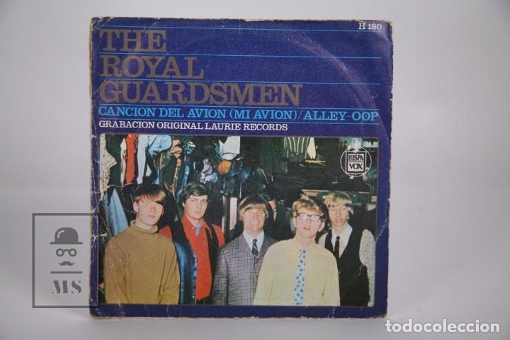 Discos de vinilo: Disco Single De Vinilo - The Royal Guardsmen / Cancion del Avión, Alley-Oop - Hispa Vox - Año 1967 - Foto 3 - 168596565