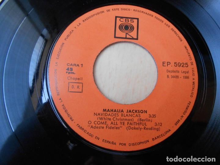 Discos de vinilo: MAHALIA JACKSON con la Orquesta de SID BASS, EP, NAVIDADES BLANCAS + 3, AÑO 1966 - Foto 3 - 168813116