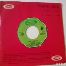 Discos de vinilo: VEGA- SOL DE OSCURIDAD - SINGLE PROMOCIONAL 1979- TOMAS VEGA - VINILO COMO NUEVO.. Lote 168819492