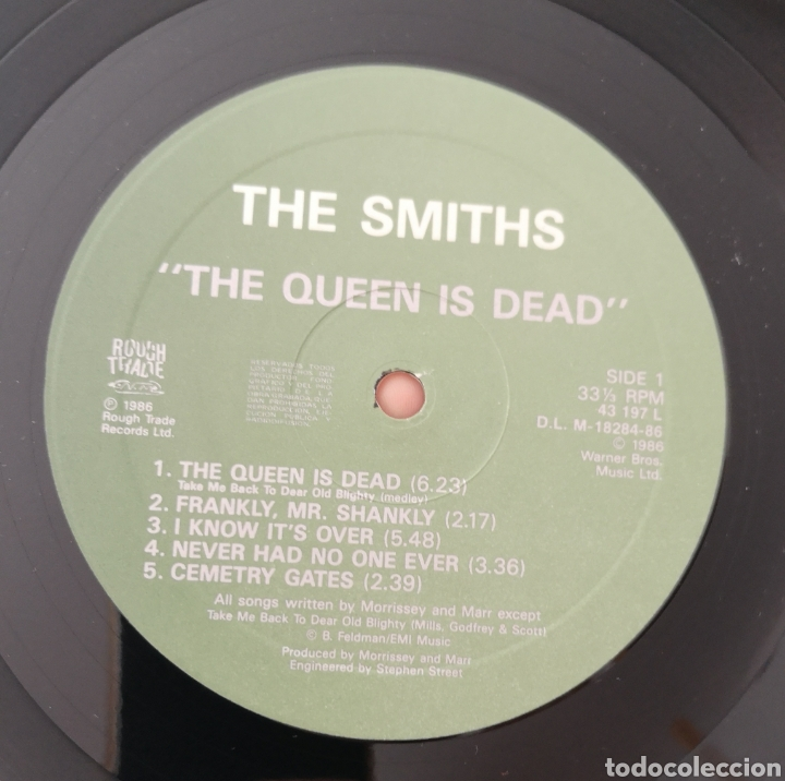 Discos de vinilo: THE SMITHS - THE QUEEN IS DEAD - ORIGINAL ESPAÑA 1986 - Foto 2 - 168858008