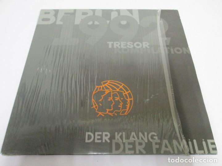 Discos de vinilo: BERLIN 1992. TRESOR KOMPILATION. DER KLANG DER FAMILIE. LP VINILO. TRESOR 1992 - Foto 2 - 169132656