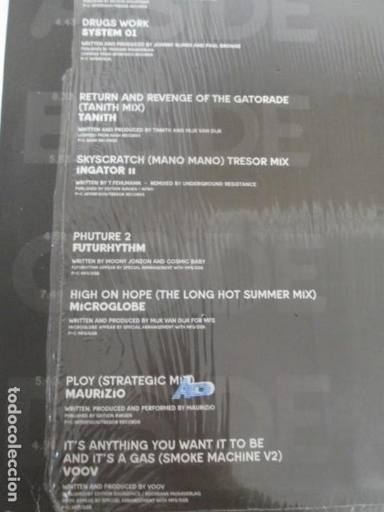 Discos de vinilo: BERLIN 1992. TRESOR KOMPILATION. DER KLANG DER FAMILIE. LP VINILO. TRESOR 1992 - Foto 11 - 169132656