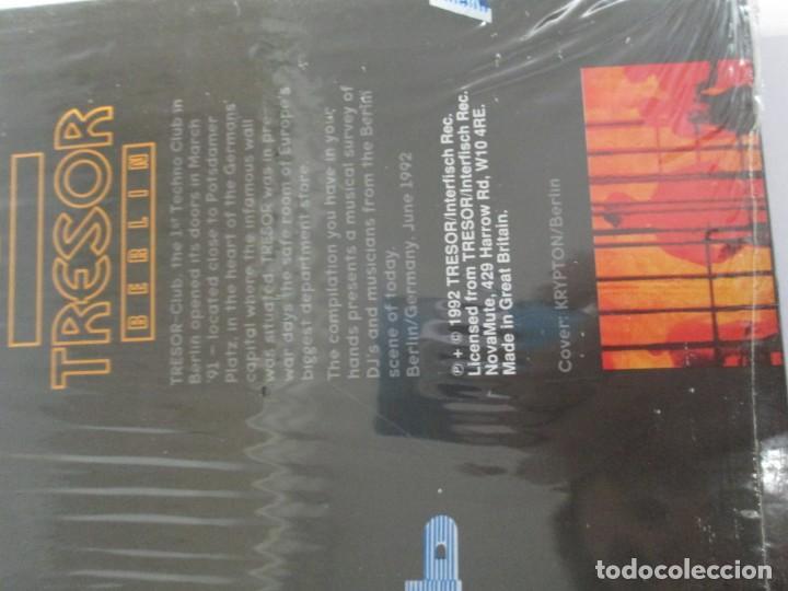 Discos de vinilo: BERLIN 1992. TRESOR KOMPILATION. DER KLANG DER FAMILIE. LP VINILO. TRESOR 1992 - Foto 13 - 169132656