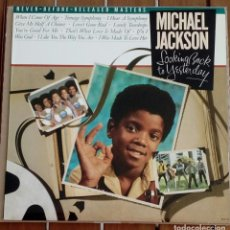 Discos de vinilo: MICHAEL JACKSON LOOKING BACK TO YESTERDAY VINILO ALBUM CANADA 1986 EXCELENTE ESTADO. Lote 169559920