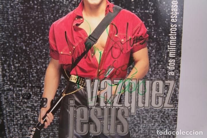 Discos de vinilo: Disco LP De Vinilo - Jesus Vazquez / A Dos Milímetros Escasos de tu Boca - Ariola 1993 - Autográfo - Foto 3 - 170091528