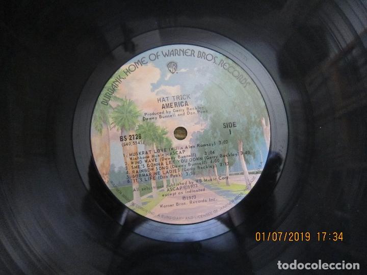 Discos de vinilo: AMERICA - HAT TRICK LP - ORIGINAL U.S.A. - WARNER BROS. 1973 CON FUNDA INT. ORIGINAL - - Foto 12 - 170224024