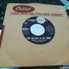 Discos de vinilo: TOMMY COLLINS SINGLE YOU BELONG IN MY ARMS ESPAÑA 1960. Lote 170859285