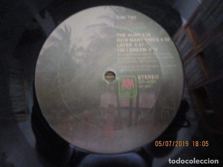 Discos de vinilo: CAT STEVENS - FOREIGNER LP - ORIGINAL U.S.A. - A&M 1973 CON ENCARTE CARTON DURO Y FUNDA INTERIOR. - - Foto 16 - 170978439