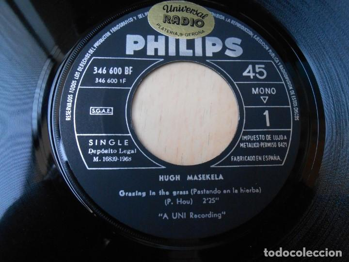 Discos de vinilo: HUGH MASEKELA, SG, GRAZING IN THE GRASS + 1, AÑO 1968 - Foto 3 - 171174122