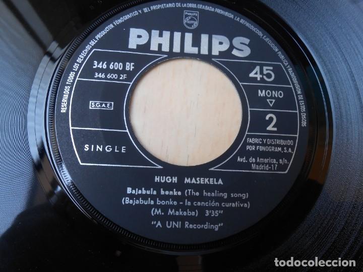 Discos de vinilo: HUGH MASEKELA, SG, GRAZING IN THE GRASS + 1, AÑO 1968 - Foto 4 - 171174122