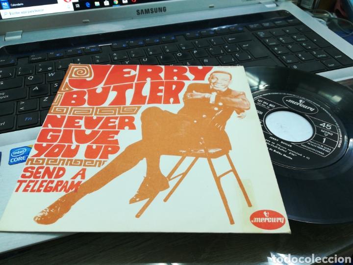 JERRY BUTLER SINGLE NEVER GIVE YOU UP ESPAÑA 1968 (Música - Discos - Singles Vinilo - Funk, Soul y Black Music)